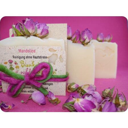 Naturseife Mandeline | sanfte Pflege mit Mandel- und Pflaumenkernöl | nur aus natürlichen Zutaten | vegan | 80 g